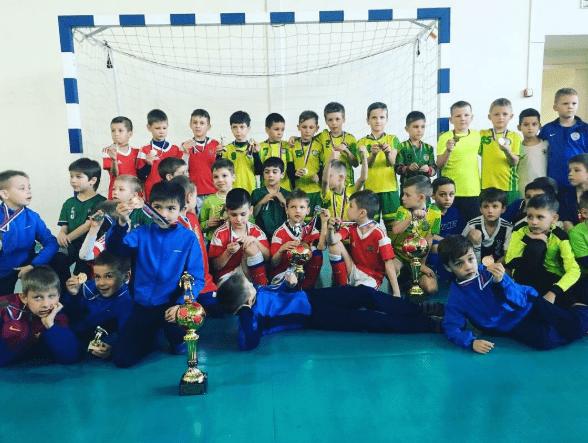 В Кисловодске завершился открытый городской турнир по мини-футболу