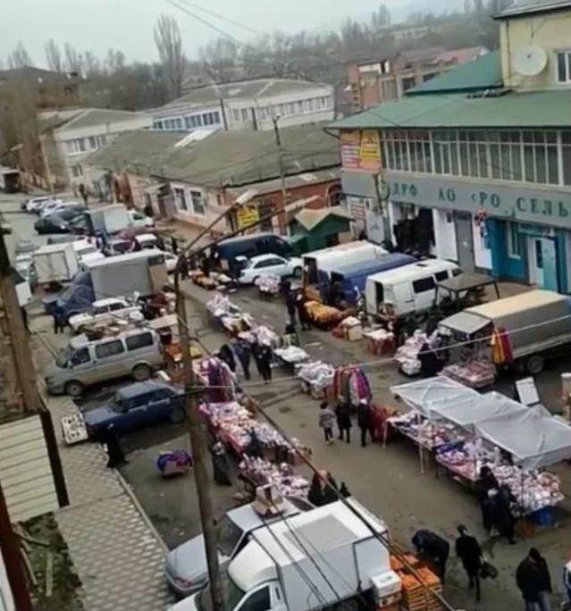 Домой из – за огромной ярмарки не могут попасть жители Буйнакска