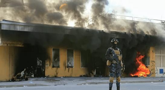 """Новые ракеты прилетели в """"зеленую зону"""" Багдада"""