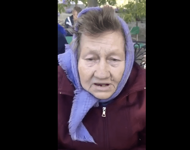 С помощью видеоролика обратилась пенсионерка к бросившему ее сыну в Ростове