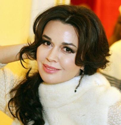 Подмосковный пристав закрыл дело по долгу Анастасии Заворотнюк