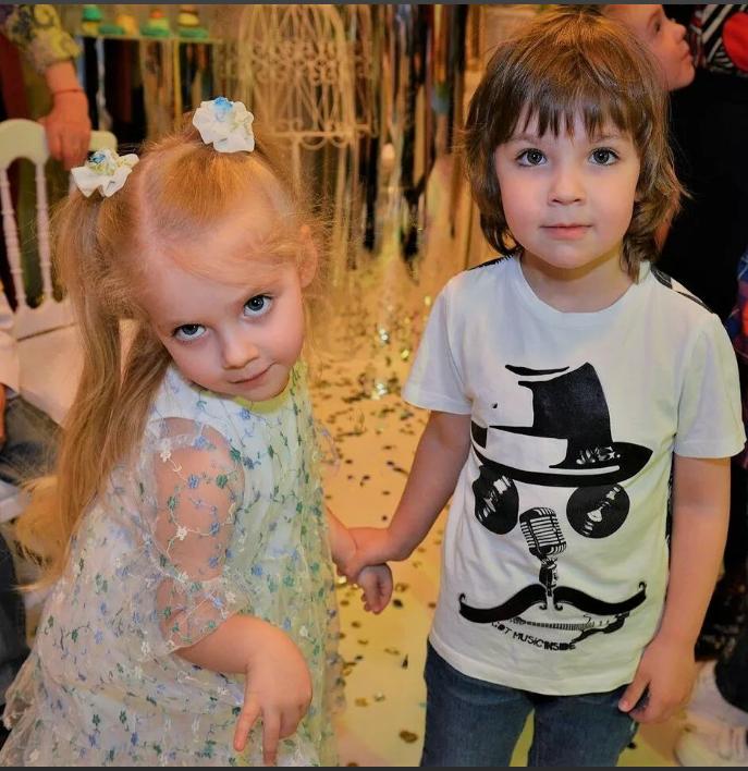 Обряд уничтожения коронавируса провели дети Пугачевой и Галкина