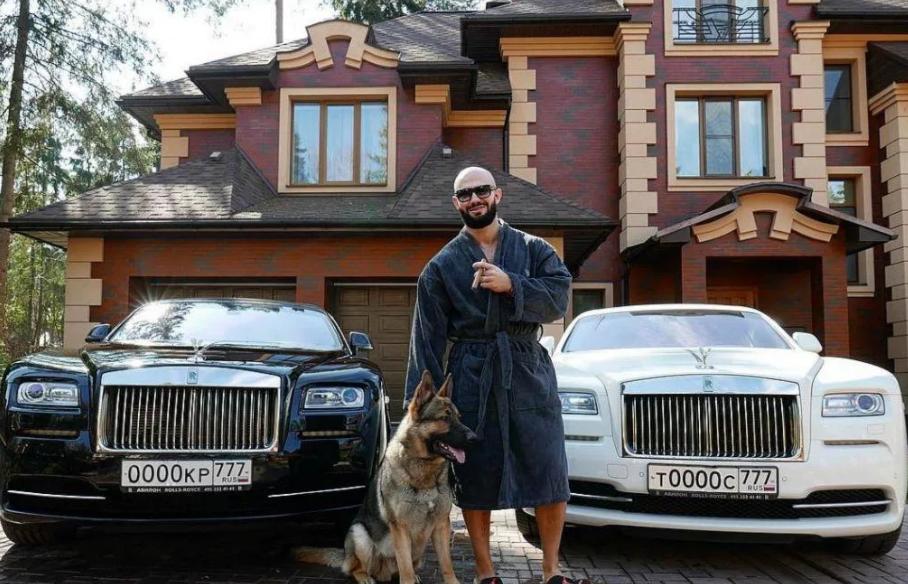 За 140 млн рублей продает свои шикарные апартаменты рэпер Джиган