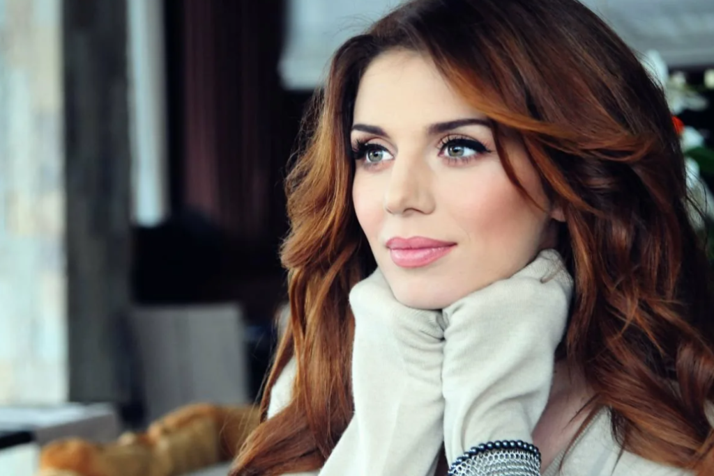 О своем опыте «секса втроем» рассказала известная певица Анна Седакова