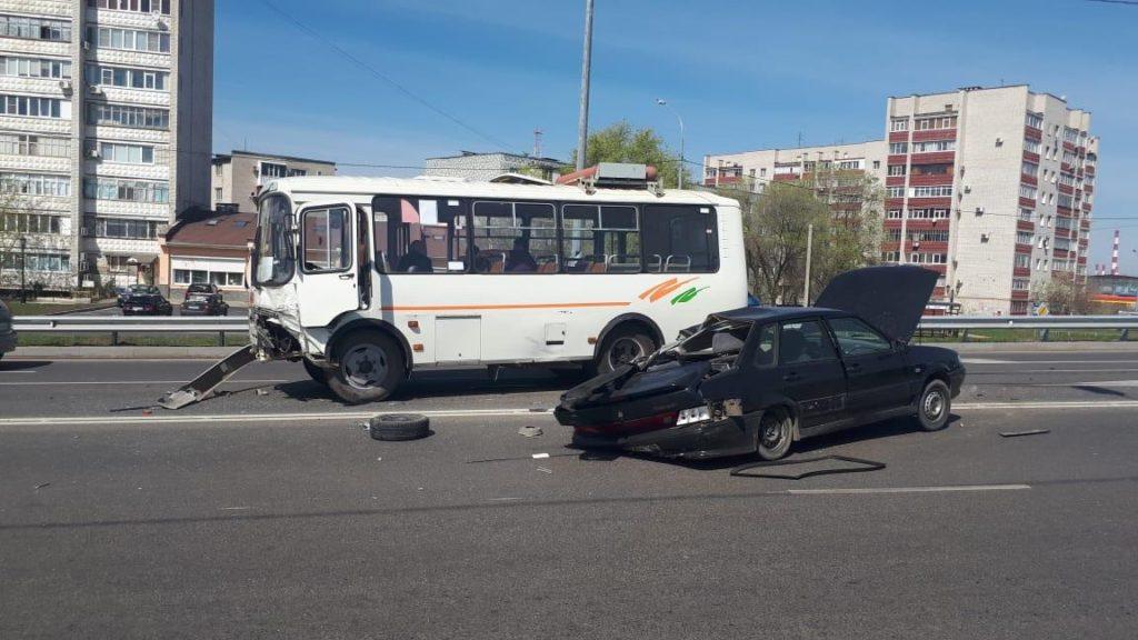Оторвавшееся колесо спровоцировало ДТП с пострадавшими в Невинномысске