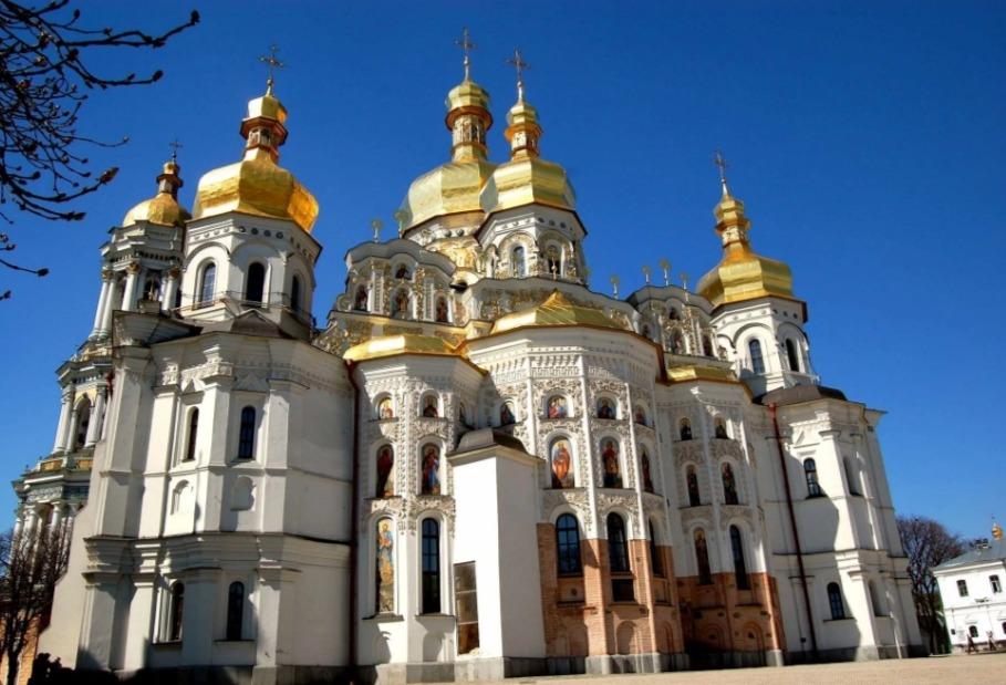 Заболевший коронавирусом послушник Троице-Сергиевой Лавры совершил самоубийство