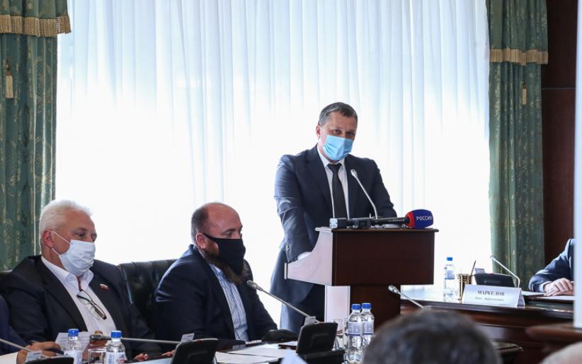 Сократит и обновит управленческую команду новый мэр Пятигорска