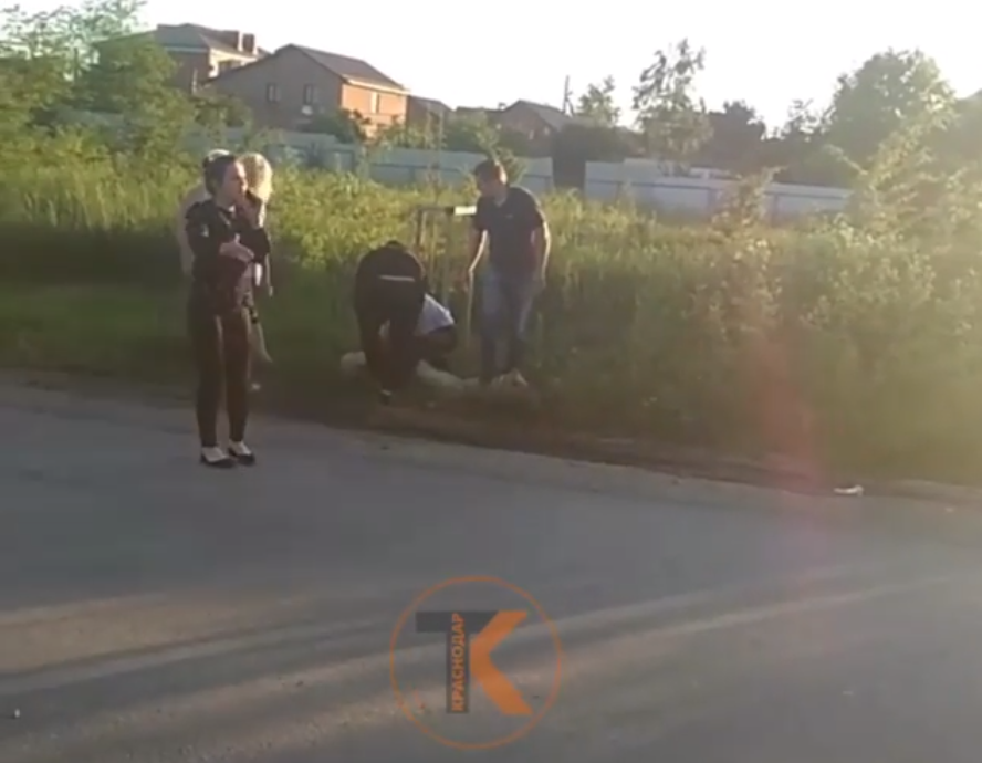 Голый мужчина умер на руках полицейских в Краснодаре