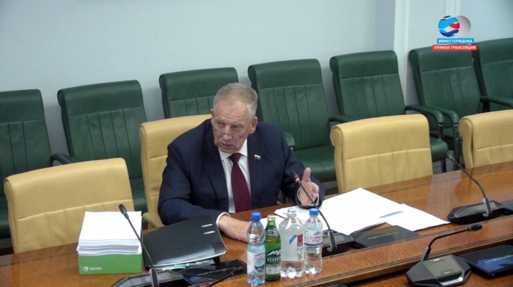 Совет Федерации: единый реестр скважин позволит контролировать качество минеральной воды