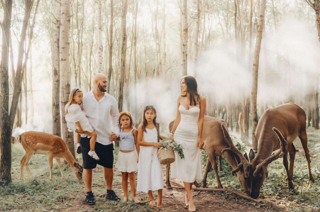 Воссоединение с Джиганом Оксана Самойлова отметила семейной фотосессией