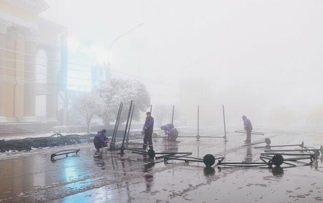 В центре Ставрополя устанавливают главную елку