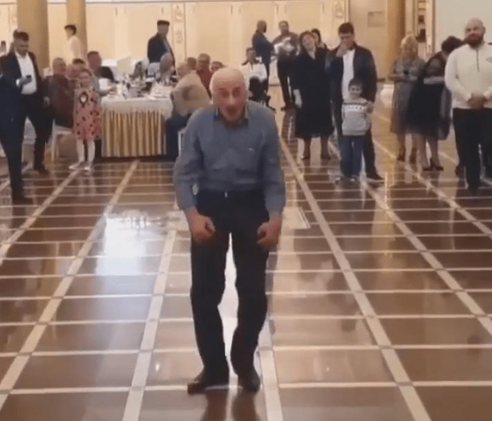 После танца в «стиле Джексона» звездой стал пенсионер из Нальчика