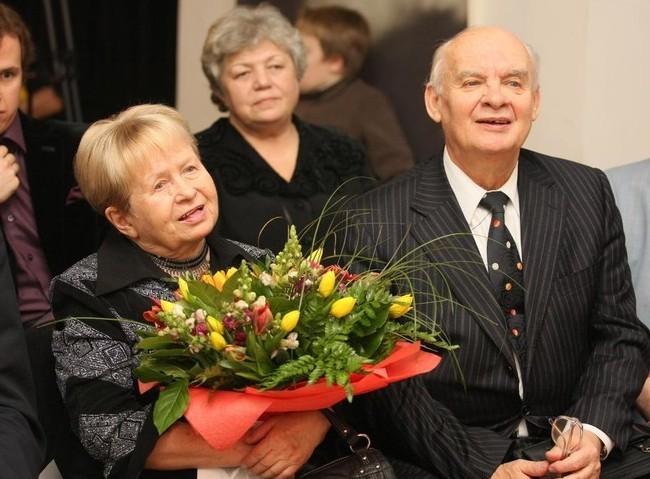 Александра Пахмутова с мужем госпитализированы с коронавирусом