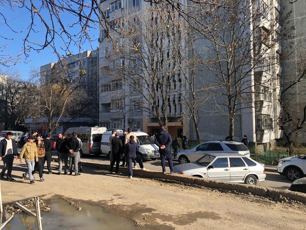 Суд над взявшим в заложники родственников мужчиной пройдет в Пятигорске