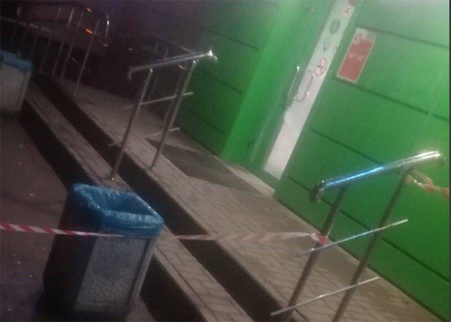 Ножом ранил охранников супермаркета мужчина в Ростове