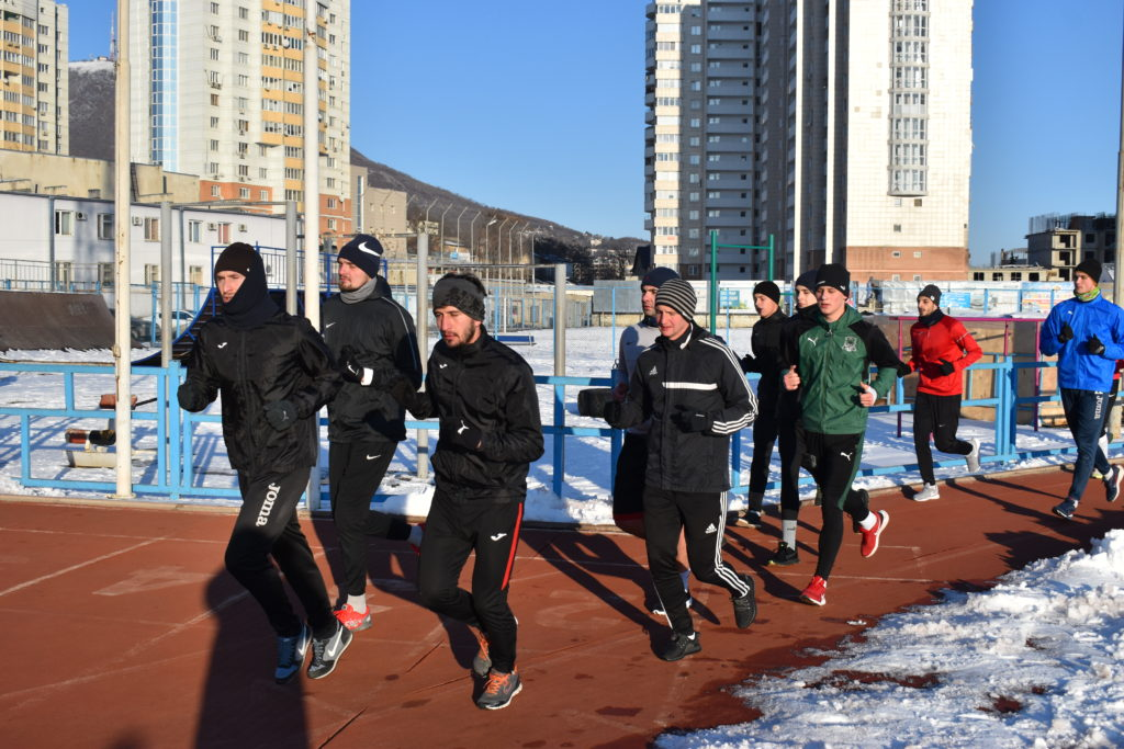 Игроки ФК «Машук – КМВ» провели первую тренировку в Новом году