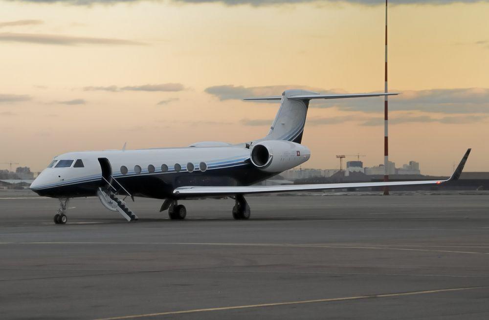 Самолет Сергея Галицкого по техпричинам не смог вылететь в Дубай