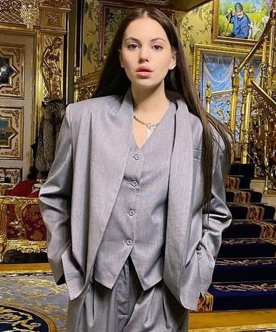 Экс-участница «Дома-2» Саша Артемова будет судиться с хозяйкой апартаментов в Сочи