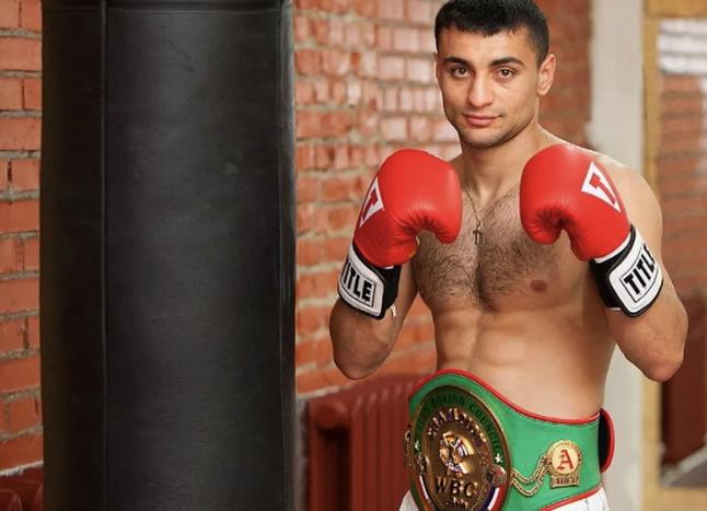 Профессиональный боксёр Давид Аванесян из Пятигорска вновь защитил свой титул